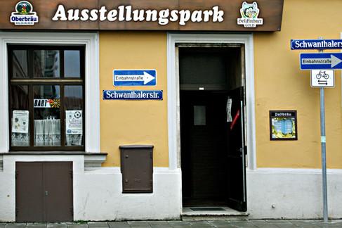 """""""Ausstellungspark"""" in Schwanthaler Straße"""