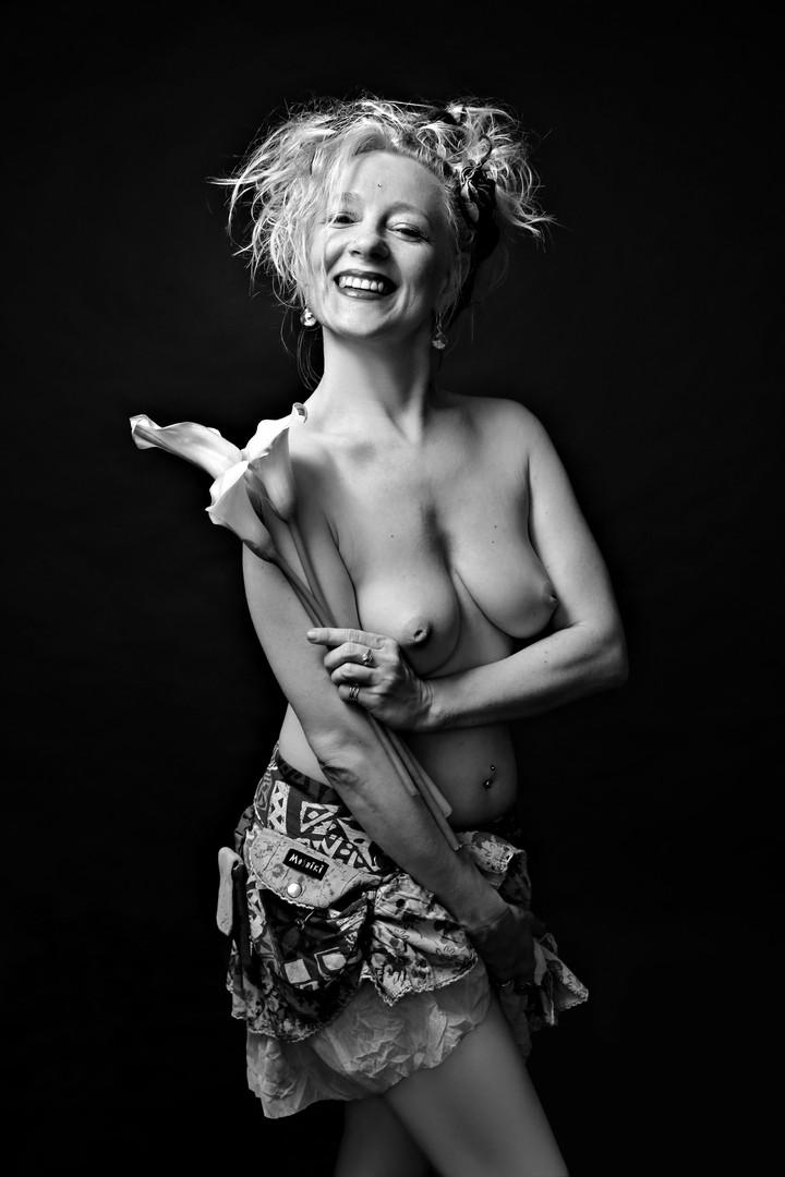 Boudoir Foto, Akt Spielerei mit Blume