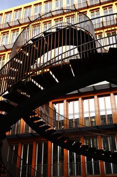 kunsttreppe in der KPMG.JPG