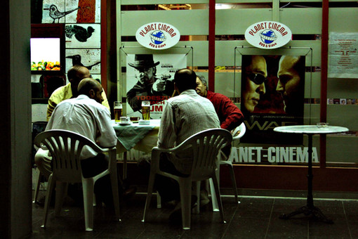 Warme Nacht vor Pizzeria, Parkstraße, Westend