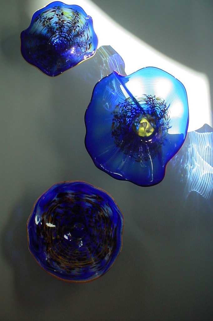 Blue Wall-mounted Platter Blooms
