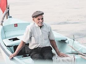 old-man-4946488_1920.jpg