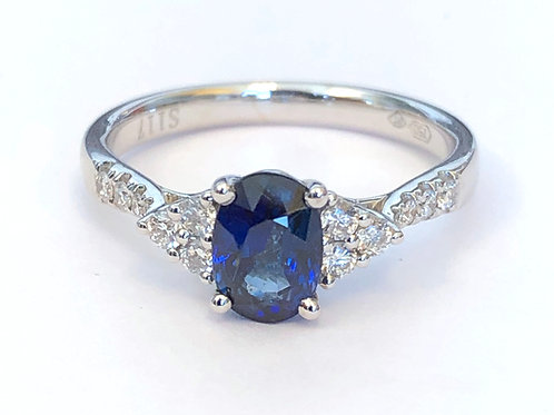 1.17CT. OVAL CUT BLUE SAPPHIRE & DIAMOND RING