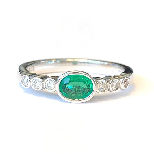 BEZEL SET GREEN EMERALD & DIAMOND RING