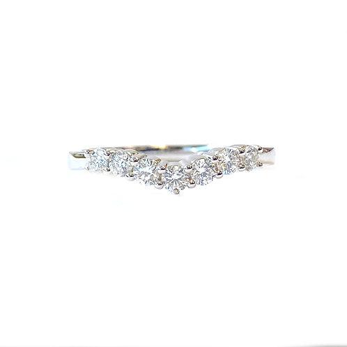 18KTWG CHEVRON CURVED DIAMOND BAND