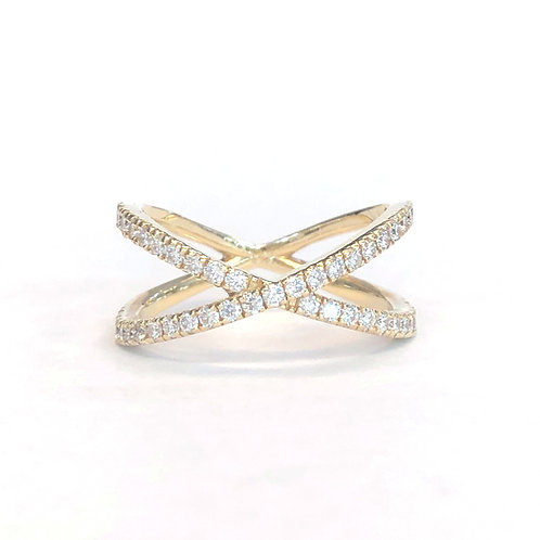 X SHAPED CROSSOVER DIAMOND RING