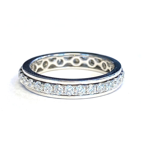 WHITE GOLD SINGLE ROW DIAMOND SPINNING ETERNITY RING