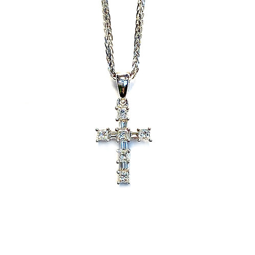 0.27CT. PETITE DIAMOND CROSS PENDANT