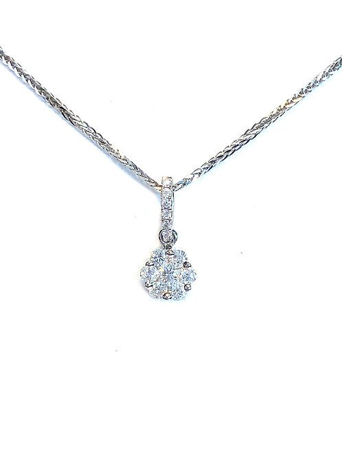 0.27CT. DIAMOND CLUSTER HALO STYLE PENDANT NECKLACE