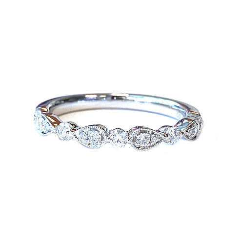 WHITE GOLD DIAMOND PATTERN STACKABLE BAND