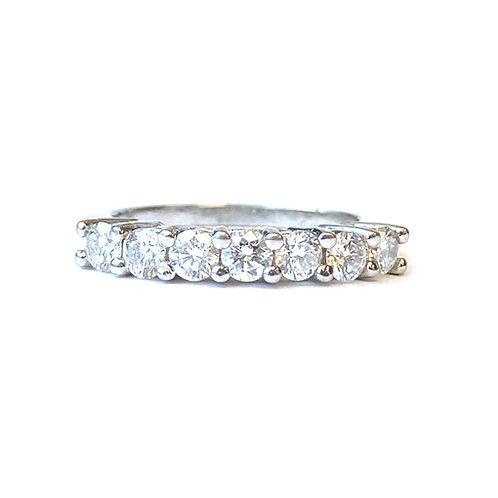 0.77CTTW. ROUND DIAMOND ANNIVERSARY BAND IN PLATINUM