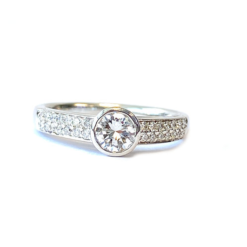 0.52CTTW. ROUND DIAMOND ENGAGEMENT RING