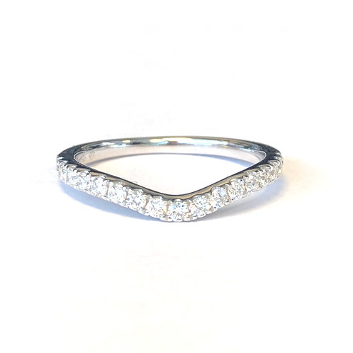 0.49CTTW. 18KT WHITE GOLD CURVED DIAMOND BAND