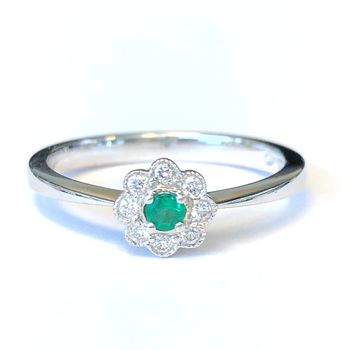 PETITE FLOWER DESIGN EMERALD & DIAMOND RING
