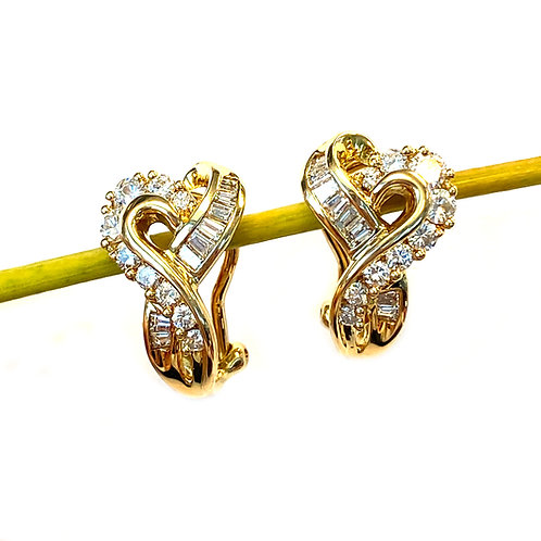 18KT YELLOW GOLD ROUND & BAGUETTE CUT DIAMOND EARRINGS