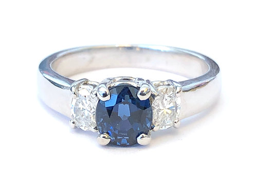 CLASSIC OVAL BLUE SAPPHIRE & DIAMOND THREE STONE RING