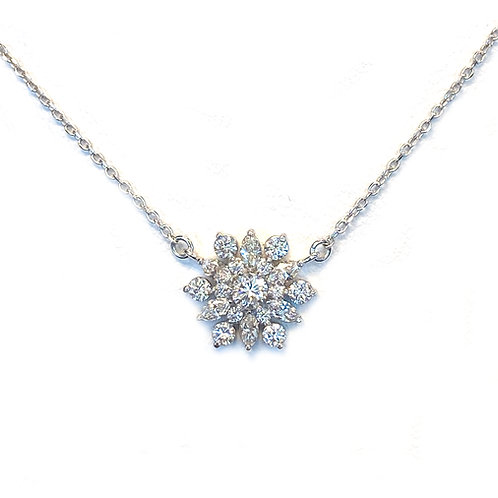 CLUSTER SNOWFLAKE DIAMOND PENDANT NECKLACE