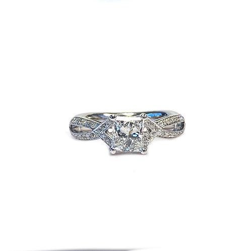 1.15CTTW. RADIANT CUT DIAMOND ENGAGEMENT RING 18KTWG