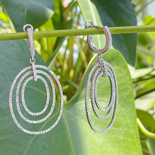 14KT WHITE GOLD TRIPLE OVAL HOOP DANGLE EARRINGS
