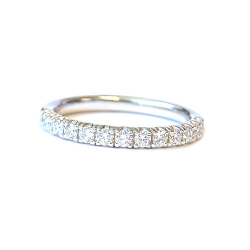 0.37CT. FRENCH PAVE COMFORT-FIT DIAMOND ANNIVERSARY BAND