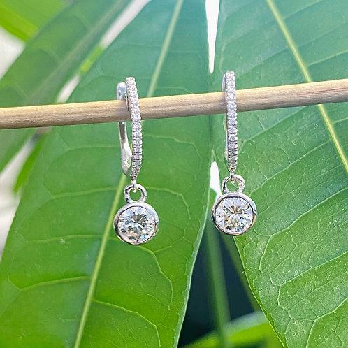 ROUND BEZEL DIAMOND DANGLE EARRINGS IN WHITE GOLD
