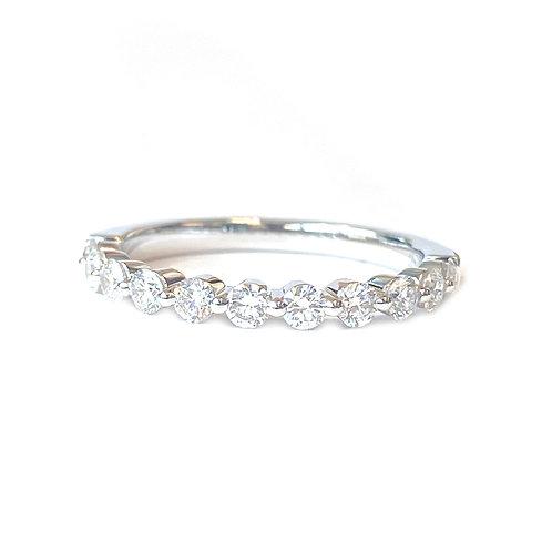 0.53CT. 18KTWG SINGLE PRONG DIAMOND WEDDING BAND