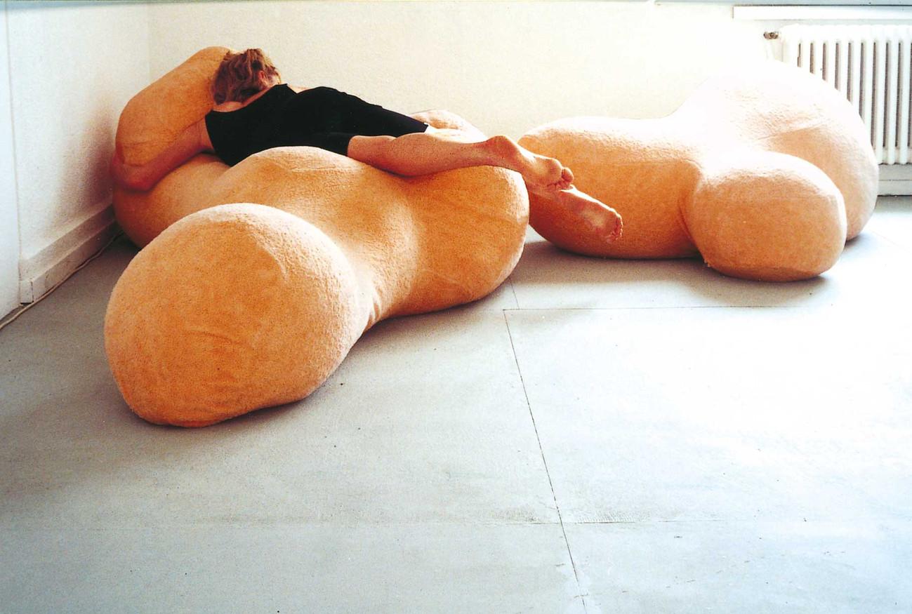 1_2000_Love_me_sofa.jpg