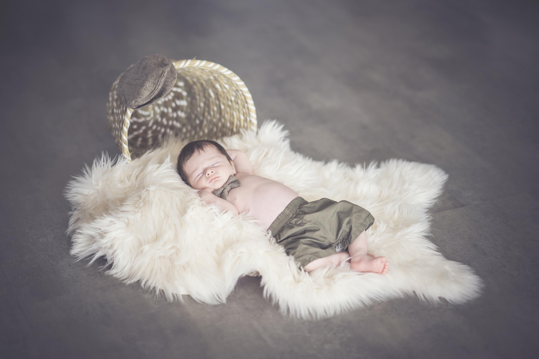 Nouveau né, Bébé