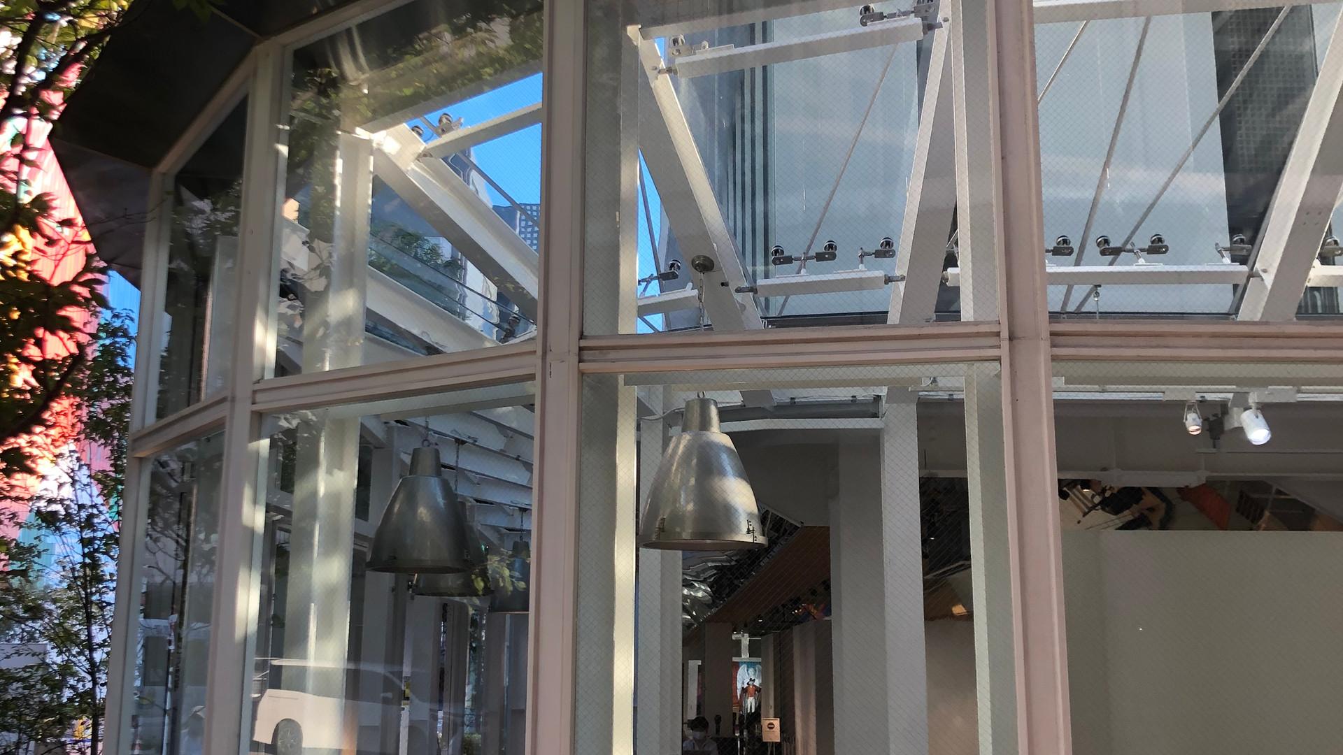 ハーバープレミアムビルディング1Fガラス回廊工事