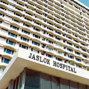 jaslok hospital 2km away from Hotel