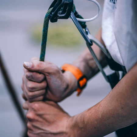 BASIC GEAR FOR TOP-ROPING AND SPORT CLIMBING