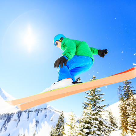 SKIERS AND SNOWBOARDERS CHECKLIST