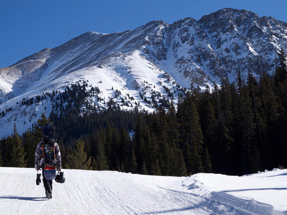 BACKCOUNTRY AVALANCHE SAFETY CLASSES IN MOUNTAINOUS STATES OF THE WEST AND NORTHEAST