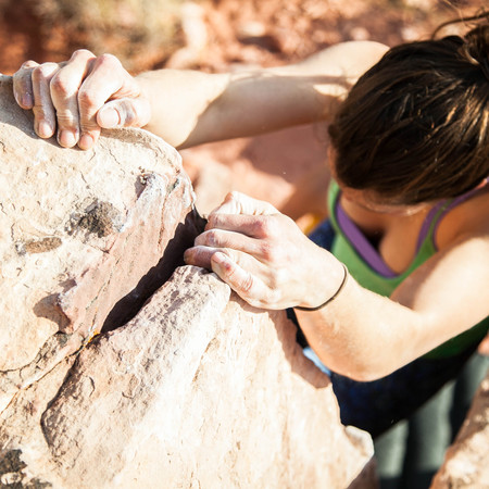 CLIMBING TECHNIQUES: HOW TO HAND JAM