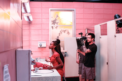On the set of GIRLS ROOM