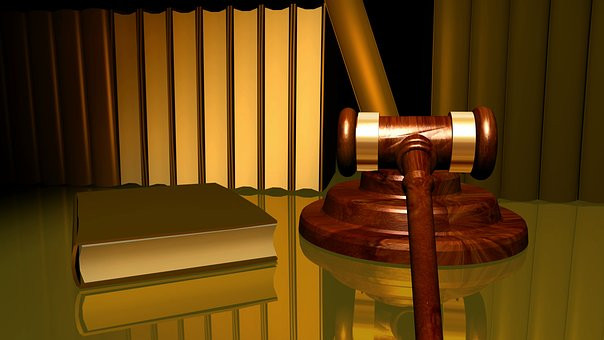 Picture of legal books and Judge's mallet - from pixabay.com