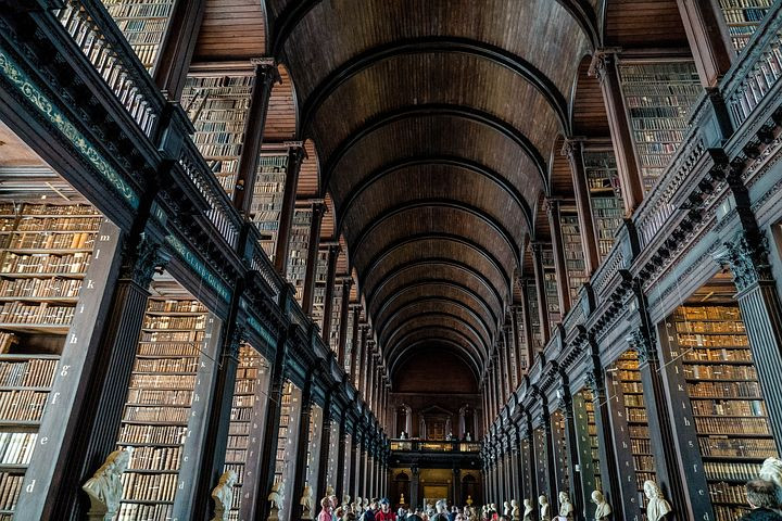 Photo of Trinity College Dublin from Pixabay.com for Your Family Genealogist's blog