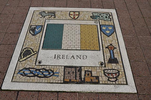 Picture of Irish in-floor ceramic - from Pixabay.com