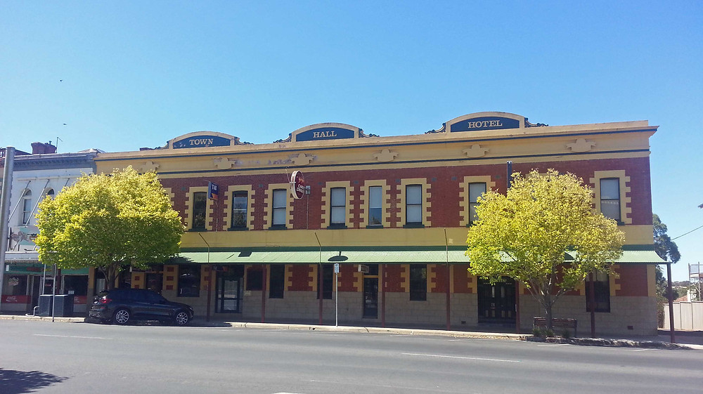 Photo of the Town Hall Hotel in Stawell, Victoria. The second story was added by Albert Henry Barnes. Copyright Therese Lynch 2018.