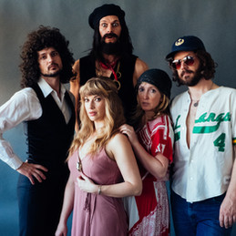 Rumours : The Ultimate Fleetwood Mac Tribute Show  Photographed by Richard P Walton