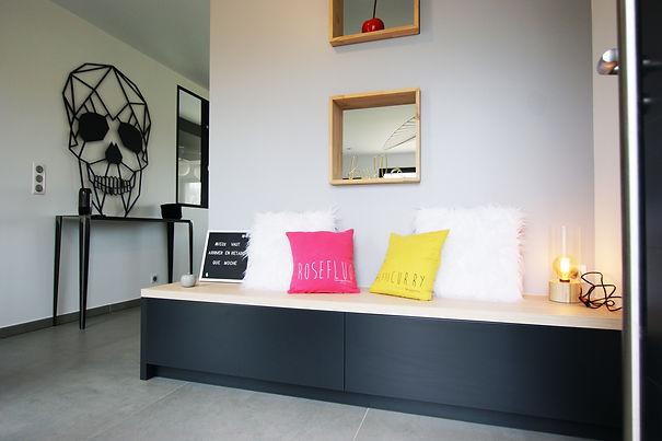 laire bausmayer, meuble entrée sur mesure, coussins lin, entrée design ,entrée archi d'intérieur