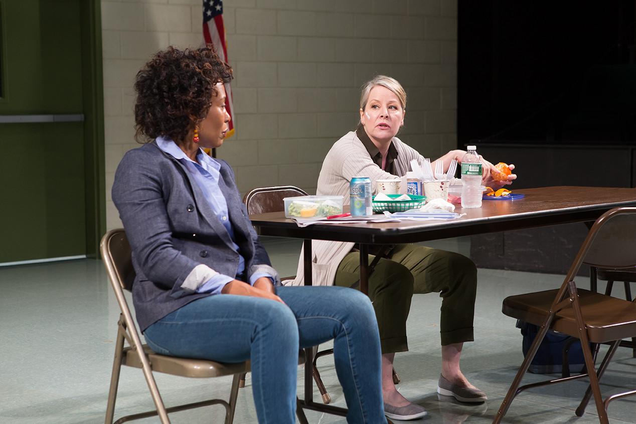 Karen Pittman as Nya and Tasha Lawrence as Laurie.