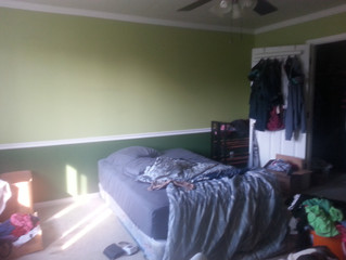 Lime Green Bedroom: Sometimes Weaknesses Can Become Strengths--Even in Staging