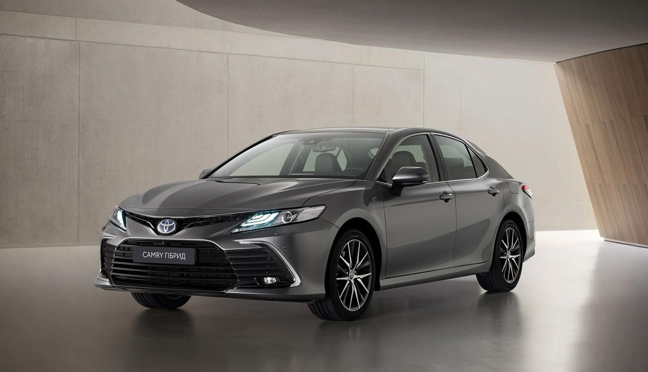 Оновлена Toyota Camry - розпочато попереднє резервування