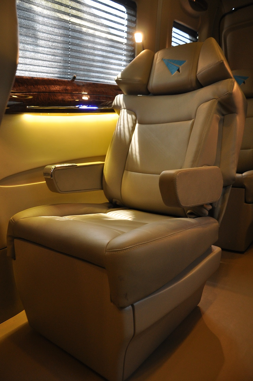 High quality leather seats read lamp
