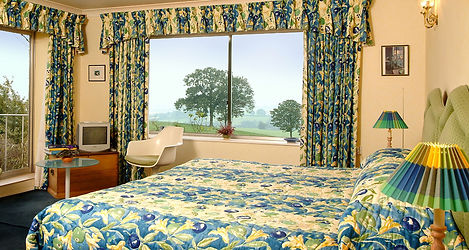 Kingsize or twin room Shallowdale House