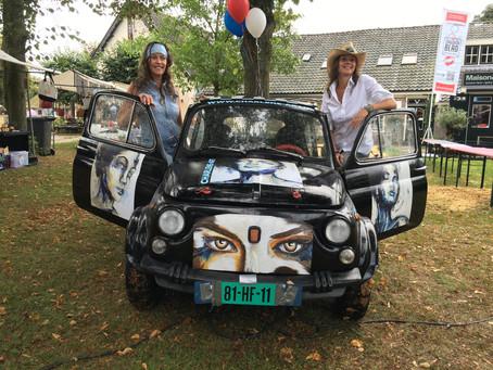 Lancering Gooische Blad tijdens Gooische Rally in Blaricum