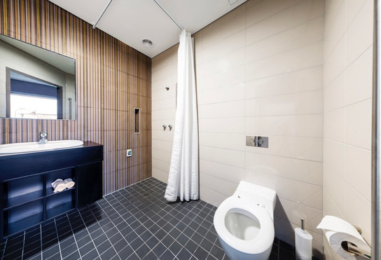 D888_BathroomPanoP.jpg