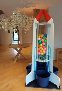 keplunk style giant game hire west midlands