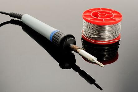 soldering-iron-1038540.jpg